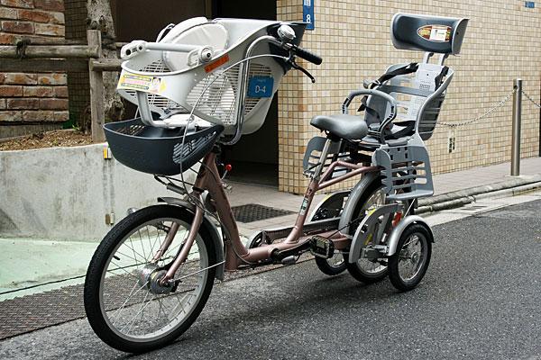 自転車の 三輪自転車 電動 試乗 東京 : ... 自転車です。その特徴は、後ろ